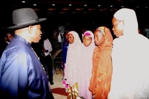 Looks like presidency may have given money to Chibok parents